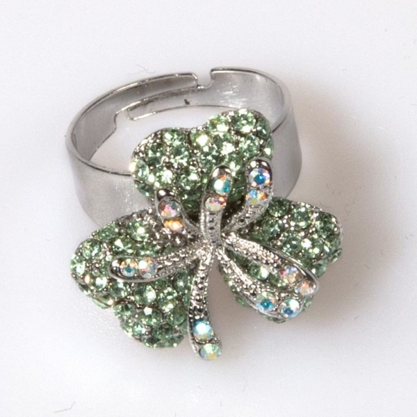 TRIPLE LEAF FLOWER RING SMALL - CHRYSOLITE