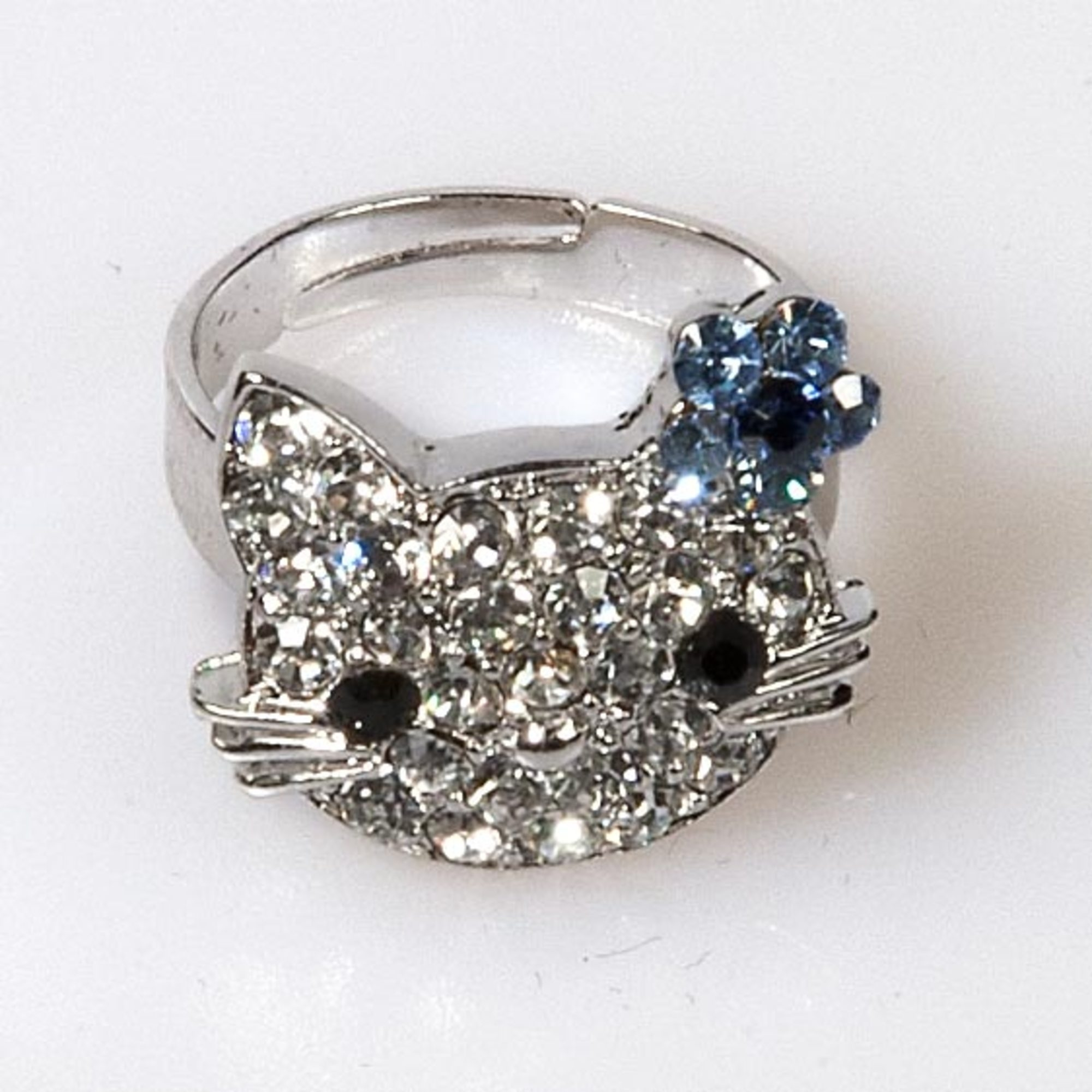 Kitty Flower Ring - Light Sapphire